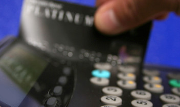 How A Merchant Advance Can Ease Cash Flow Pressures
